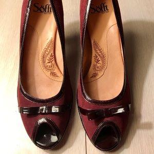 Söfft peep toes wine colored heels